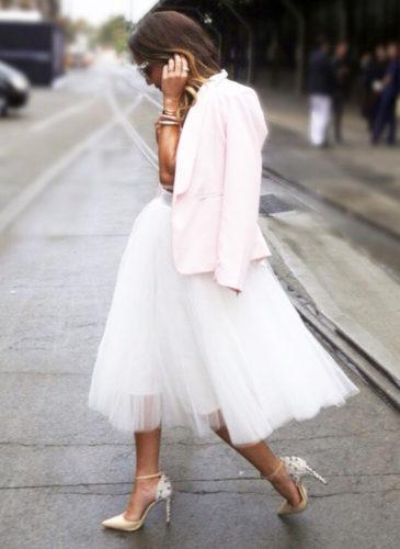 amber-renae-fashion-stylist-demi-karan-heels-agency-2